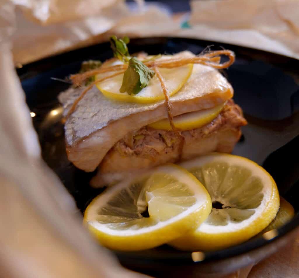 Fischgericht aus der Kochtüte